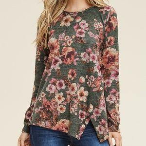 NWT Staccato Olive floral side button detail top